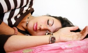 Sovande kvinna
